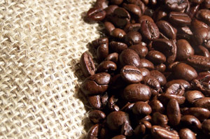 Kaffebohnen auf Kaffeesack